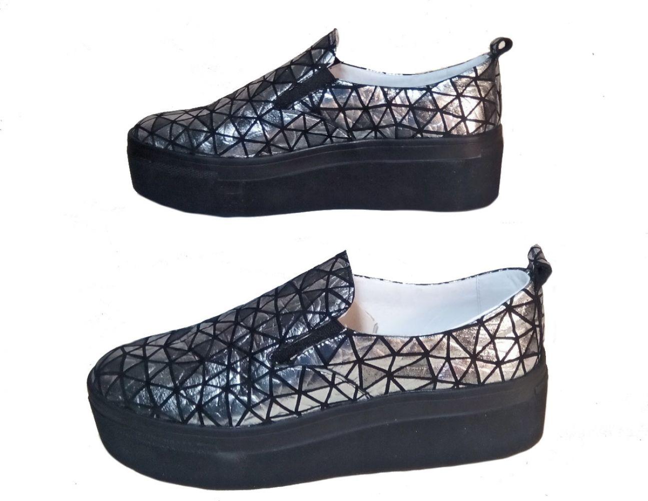 1cb54d3e3 Слипоны женские Discount Shoes 3D Черная подошва, 3D серебряный верх ...