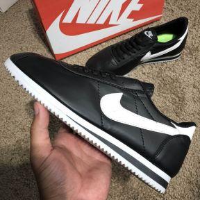 Кроссовки Nike Wmns Classic Cortez Black/White