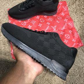 Кроссовки Louis Vuitton Run Away Sneakers Black