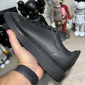 Alexandr McQueen Oversized Black
