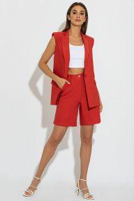 Летний костюм с длинным жилетом и шортами-бермудами красного цвета Коринн It Elle 3079
